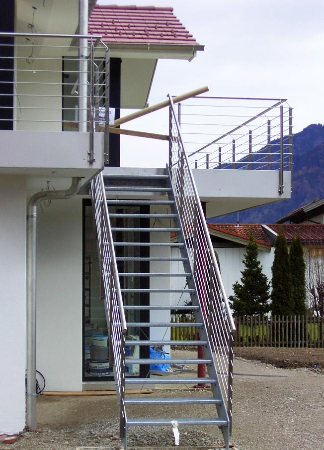 Super Außentreppen mit Geländer nach Maß - Kliegl Treppenbau MB01
