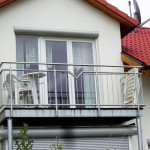Balkon stahlverzinkt, Edelstahlhandlauf mit Echtholzboden