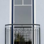 Kleiner Balkonvorbau als besonderes Element der Fasade