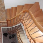 Stufen in Eiche und Untergurtgeländer mit Krümmlingen