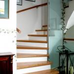 Stufen auf Beton und Glaselement anstatt Geländer