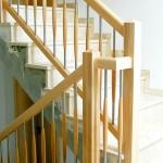 Holzgeländer  mit Stahl - Holz kombinierten Sprossen