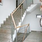 Relinggeländer für Podesttreppe, Übergang mit Sicherheitsglas