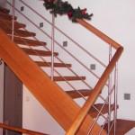 1/4 Podesttreppe mit geradem Geländer in Eiche