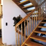 Treppe in Eiche, profilierter Handlauf, gedrechselte Sprossen